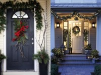 27 Front Door Christmas Decorating Ideas - Feed Inspiration