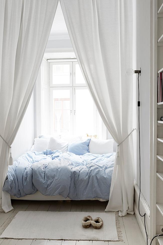 Tiny Bedroom Ideas That Have Charming Spirit - tiny bedroom ideas