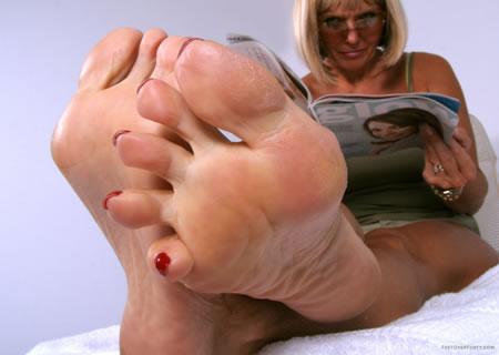 Porno feet ove rforty sorry