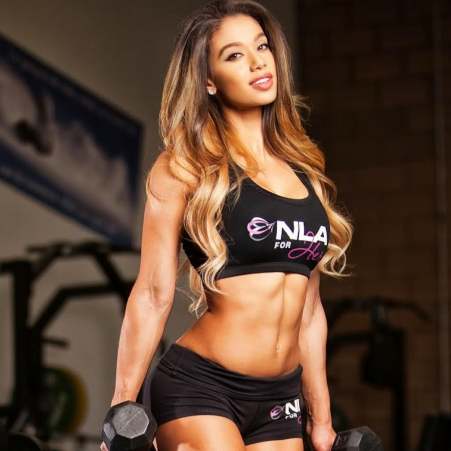 Gorgeous fitness babe works her pussy out 3