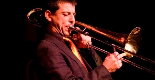 2012_El trombonista Victor Correa