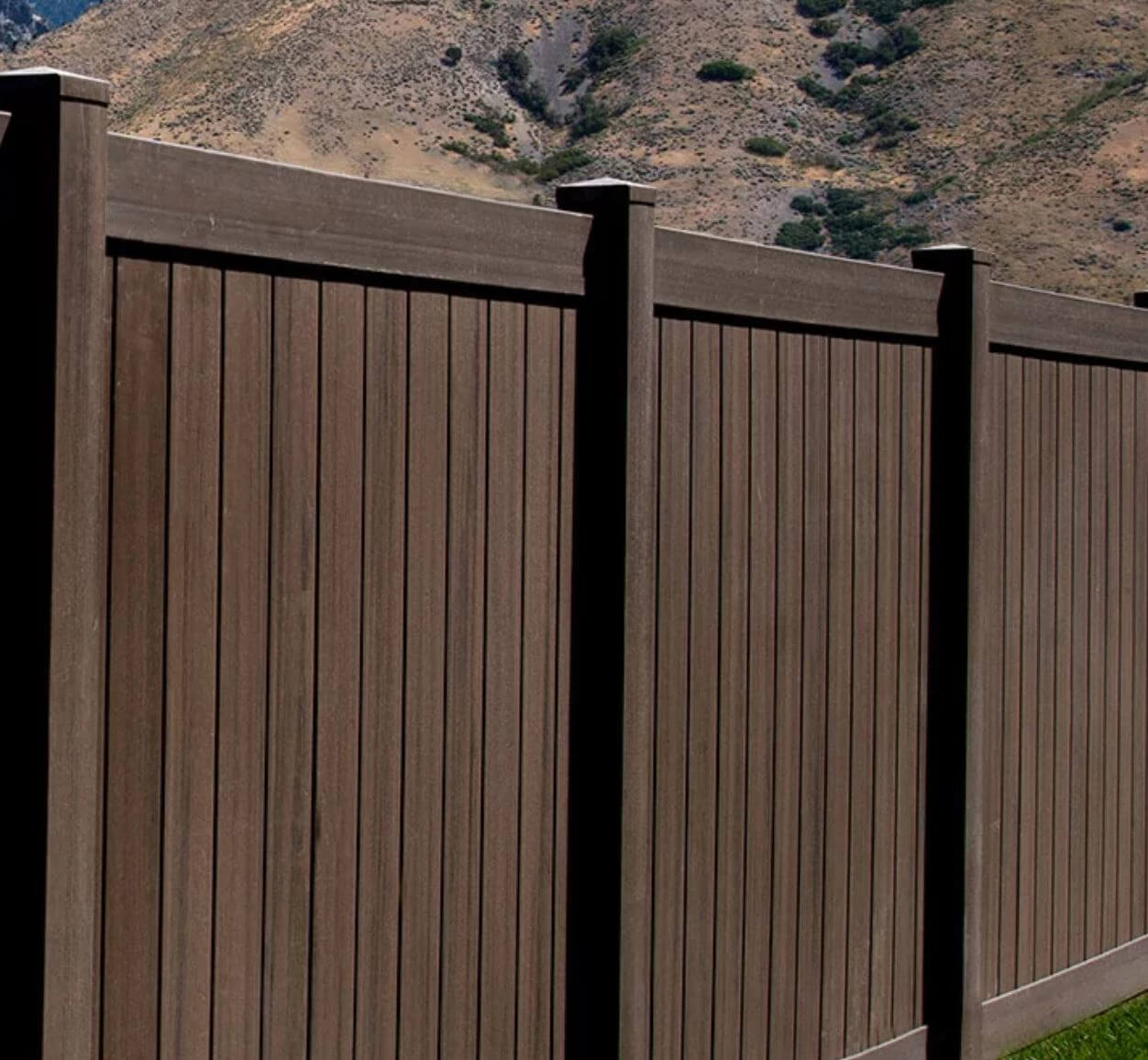 Diy Vinyl Fence Supplies Textured Vinyl Fencing And Wood Grain Vinyl Fencing Differences