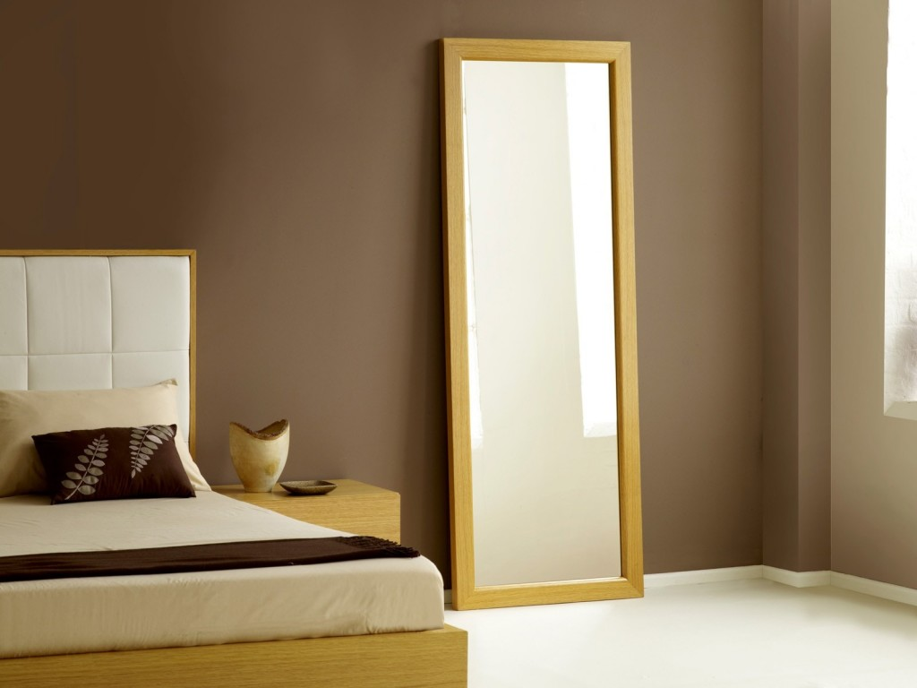 Spiegelschrank Schlafzimmer Why Mirror Facing The Bed Is Bad Feng Shui
