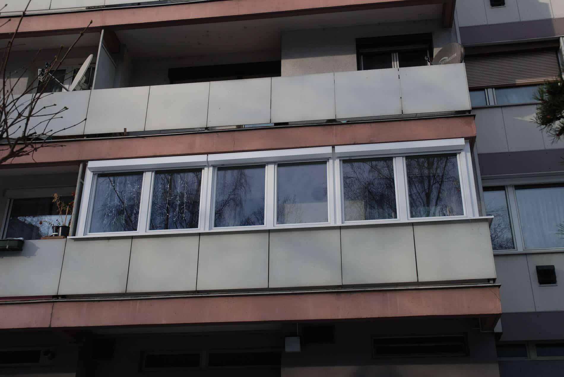 Balkonverkleidung Glas Terrassen Schiebetur Aus Glas Geschutzte