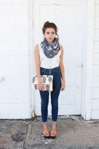Easy Way To Tie Infinity Scarf  Celebrity Fashion, Outfit ...
