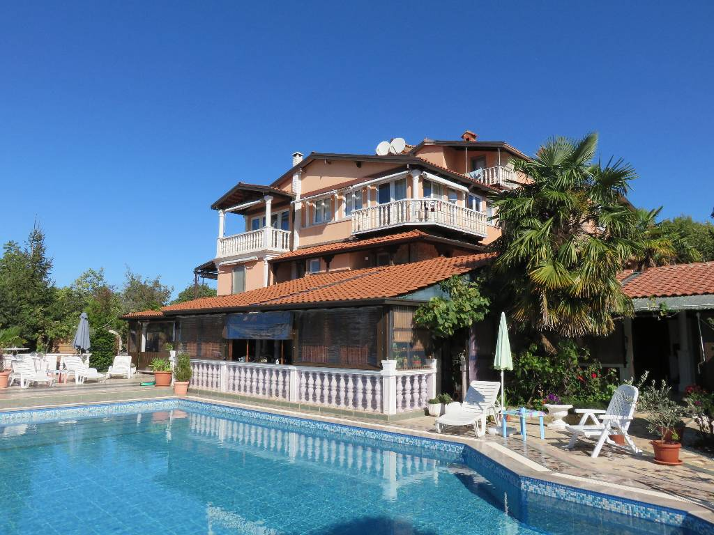 Ferienhaus Mit Pool Kroatien Porec Pension Porec Porec Private Pool Bicycles