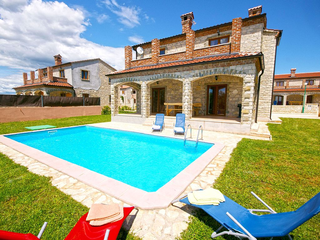 Ferienhaus Mit Pool Kroatien Pula Villa Cabrunici Pula Whirlpool Private Pool Bicycles