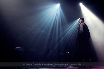 Agonoize beim Electronic Dance Art Festival am 29.12.2014 in der Batschkapp Frankfurt / Main