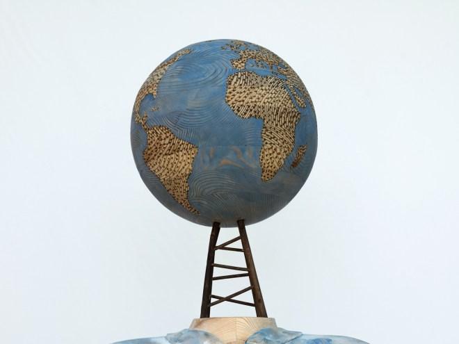 CHIC PLANÈTE, DANSONS DESSUS - Sculpture bois (740x420x180cm) 2017