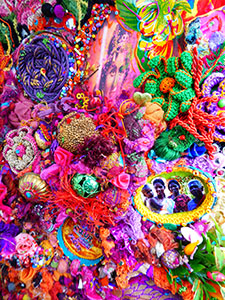 ÉCLATS de CŒUR, ÉCLATS de FLEURS (zoom)  - Collages textiles multi-matières et peintures acryliques (Ø45cm) 2017
