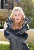 latex,outfit,gloves,top,shiny