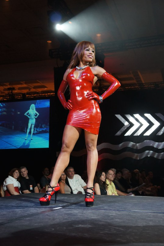 tight Fetisso red latex dress, red opera gloves