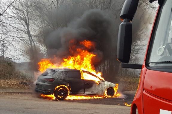 Fahrzeugbrand (2)