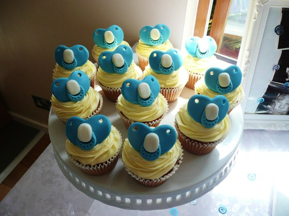 baby-boy-dummies-cupcakes - Copy