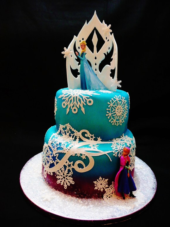 frozen-elsa-ana-cake