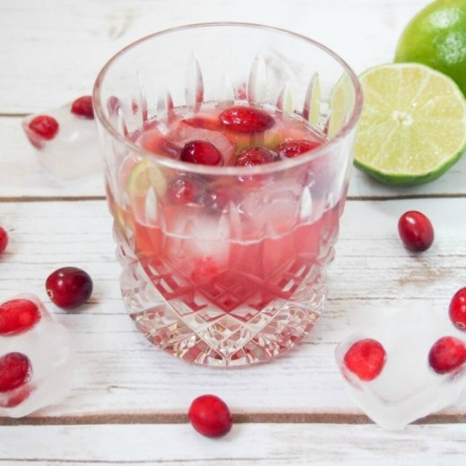 cranberry-caipirinha-2