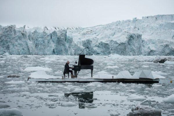 Italian Pianist Ludovico Einaudi screams for the salvation of the Artic through the piano keys..