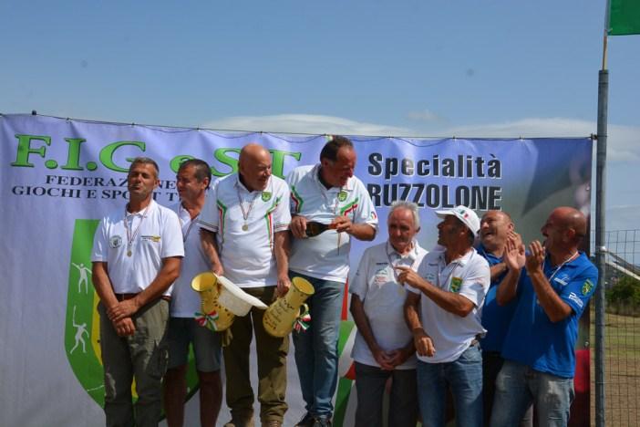 """CAT. """"C"""" CAMPIONI ITALIANI CAIELLO BRUNO - BACCHETTINI SANTE (PG) 2° CLAS. VENTURI ANTONIO - CANEPONE SAURO (TR) 3° CLAS. SERAFINI EDGARDO-QUATTRINI WALTER (MO) 3° CLAS. BERNARDONI LUCA -FOCCI GIANFRANCO (BO)"""