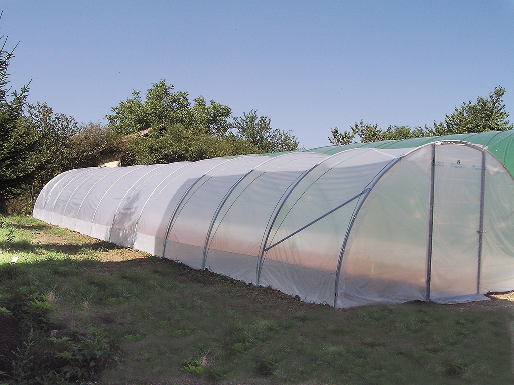 Serre Tunnel Svl Tunnels The Plastic Greenhouse Simple And Effective