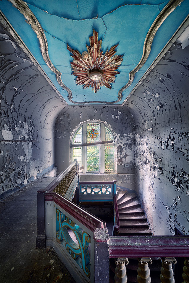 Sven Fennema Abandoned Places: Beautiful Photographs , Page 1