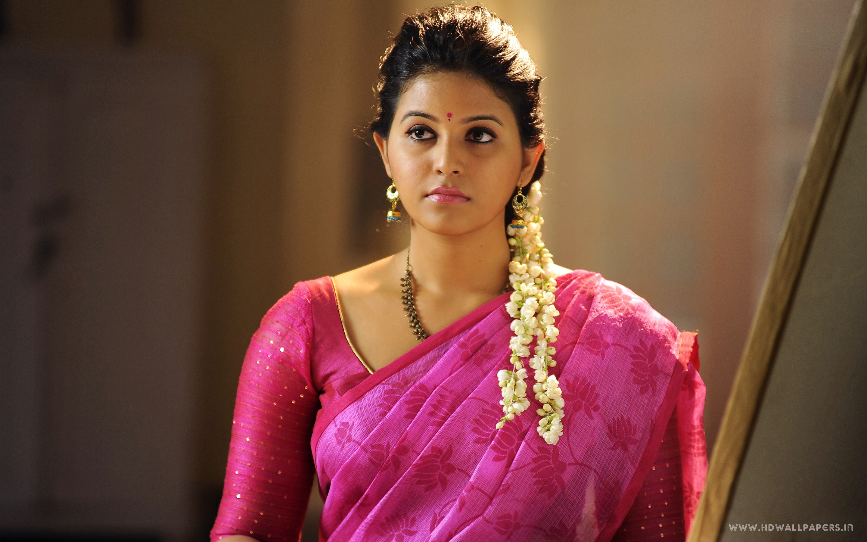 Beautiful Animated Girl Wallpapers Tamil Actress Anjali Wallpapers In Jpg Format For Free