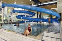 Es wird eng im Schwimmbecken - News Zrich: Stadt Zrich ...