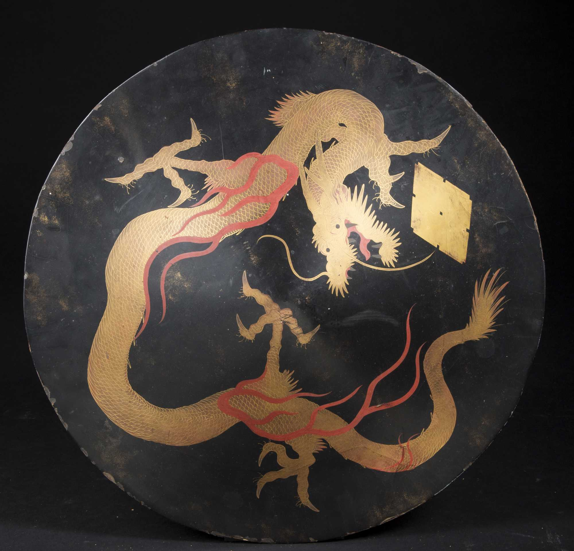 Chinese Dragon Decor Chinese Lacquer Shield With Dragon Decoration 19 20thc
