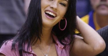 megan-fox-cleavage-laker-game-march-2004