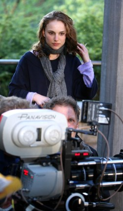natalie-portman-set-to-direct-a-tale-of-love-and-darkness-header