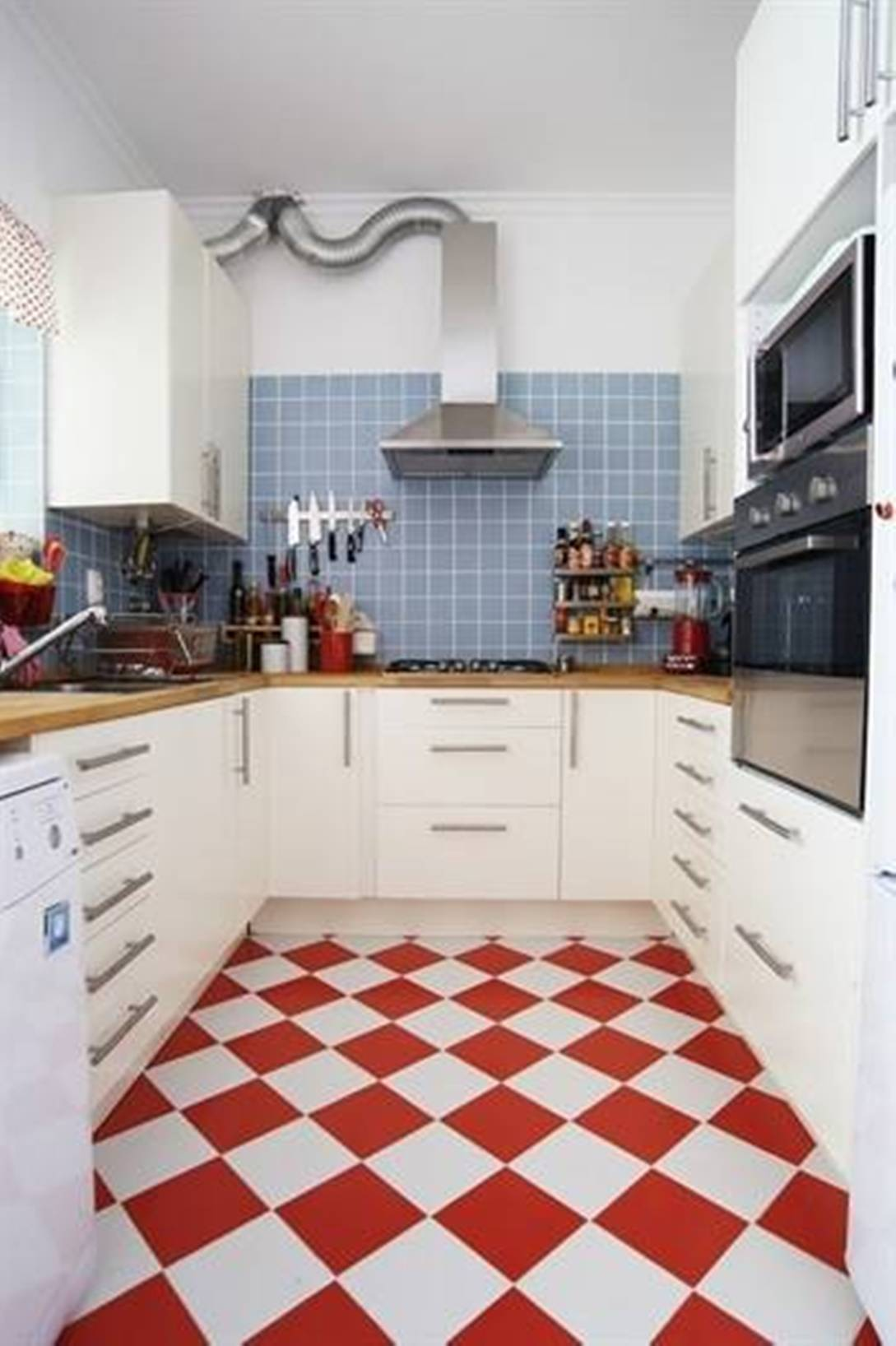 Fliesen Küchenboden Landhaus Red White Kitchen Floor Tiles Film And Furniture