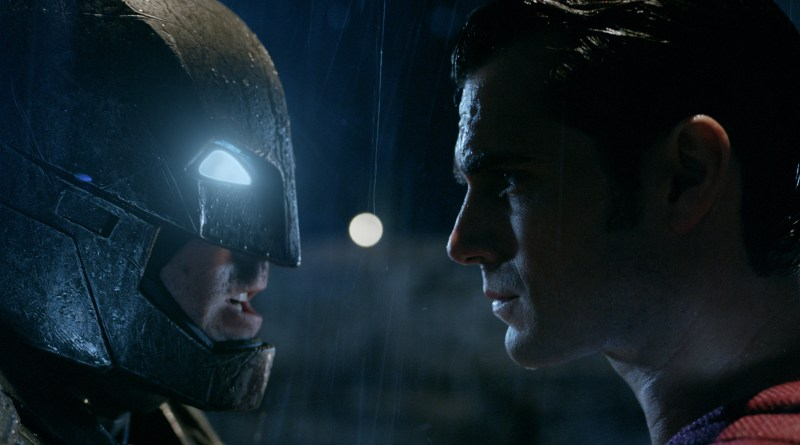 """EN AFFLECK as Batman and HENRY CAVILL as Superman in Warner Bros. Pictures' action adventure """"BATMAN v SUPERMAN: DAWN OF JUSTICE"""" - Courtesy of Warner Bros. Pictures/ TM & © DC Comics"""