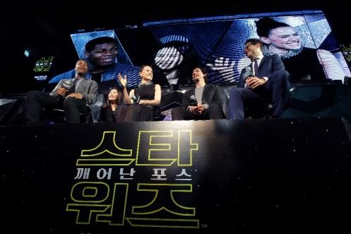 star-wars-force-awakens-fan-event-korea-premiere-1