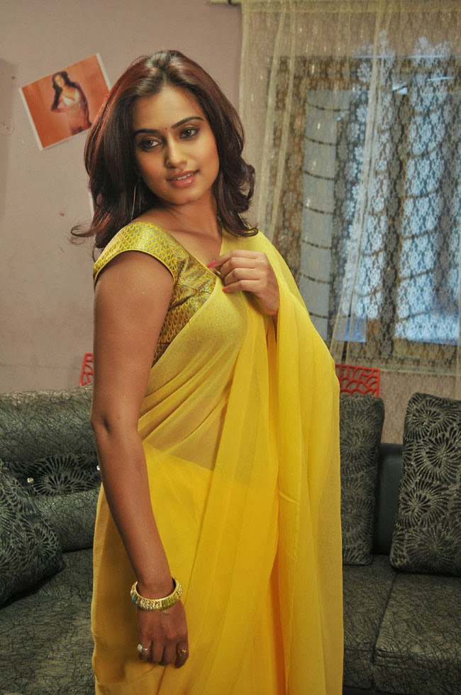 Dimple Girl Wallpaper Dimple Chopra Hot In Yellow Saree Visit Www Filmybol In