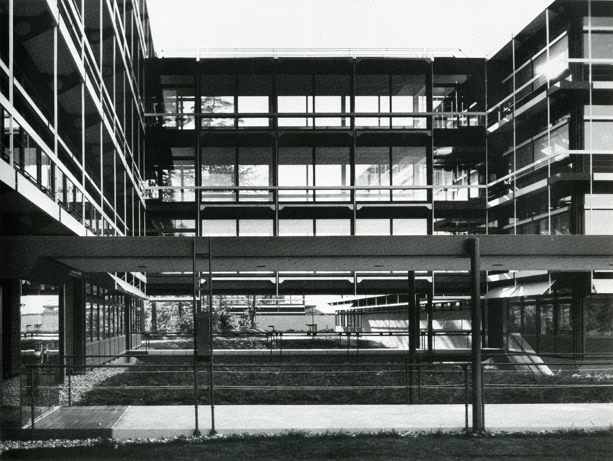 Egon Eiermann Fixed Textile Awning On Ibm Offices By Egon Eiermann 299 Filt3rs