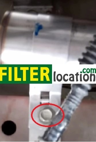 How to replace the fuel filter on a Chevrolet Cobalt