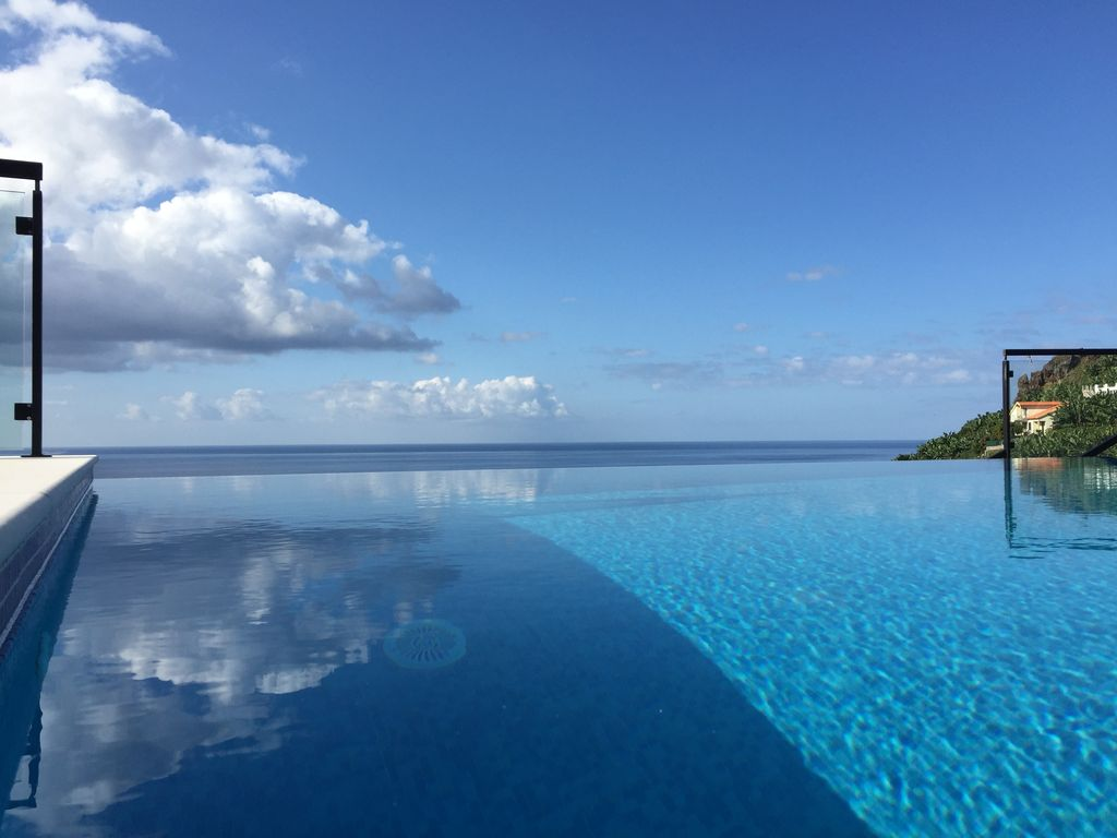 Ferienhaus Mit Pool Auf Kroatien Ponta Do Sol House Rental Infinity Pool Over The Atlantic In The