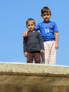 Yazidi kids on rooftop