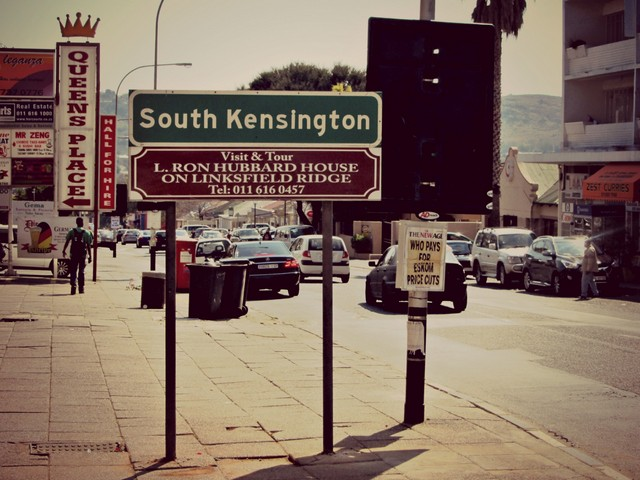 Kensington Road Sign