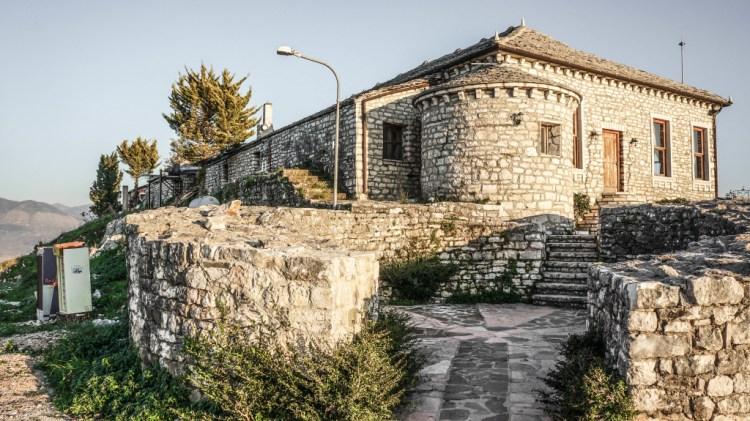 Lekursi Castle