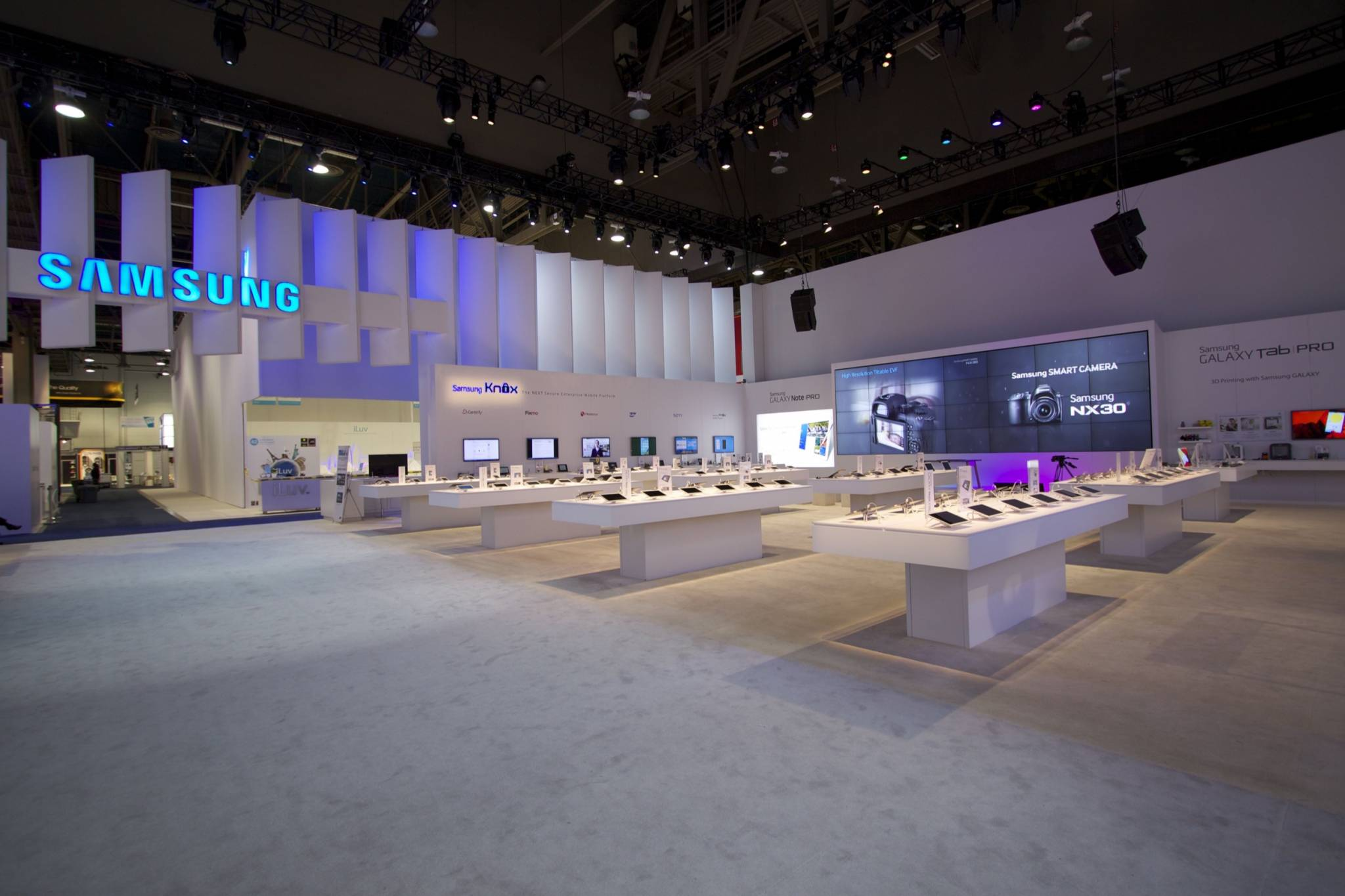 Shop Lighting Fixtures Led 2014 - Ces Samsung Exhibit - Fine Design Associates