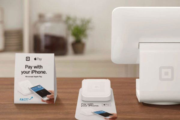 Square-Apple-Pay-1-930x699 (1)