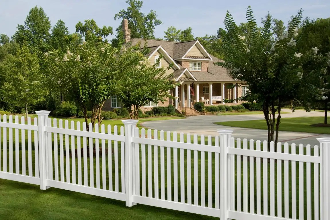 Diy Vinyl Fence Supplies 10 Facts You Need To Know About Vinyl Fences Finyl Vinyl Inc