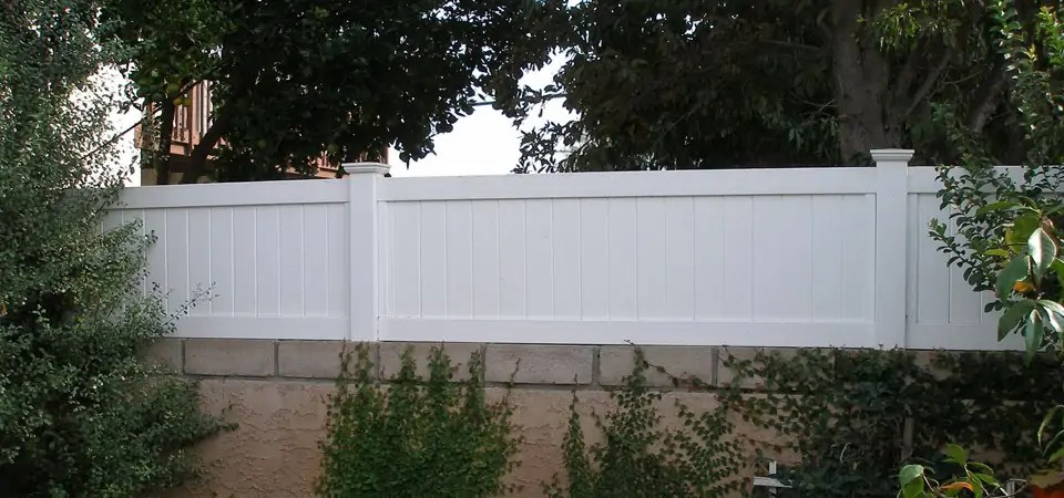 Installing Vinyl Fence Posts Without Concrete How To Create Privacy In A Yard | Finyl Vinyl