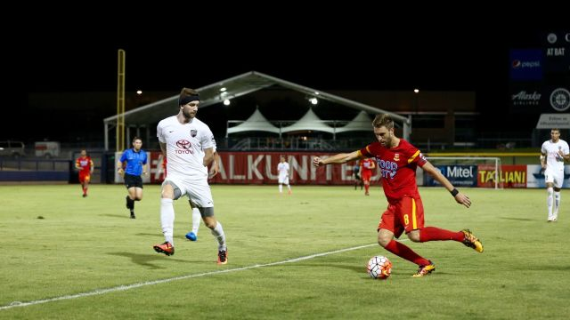 Blair Gavin and Arizona United occupy the final playoff spot - Michael Rincon / ArizonaUnited.com
