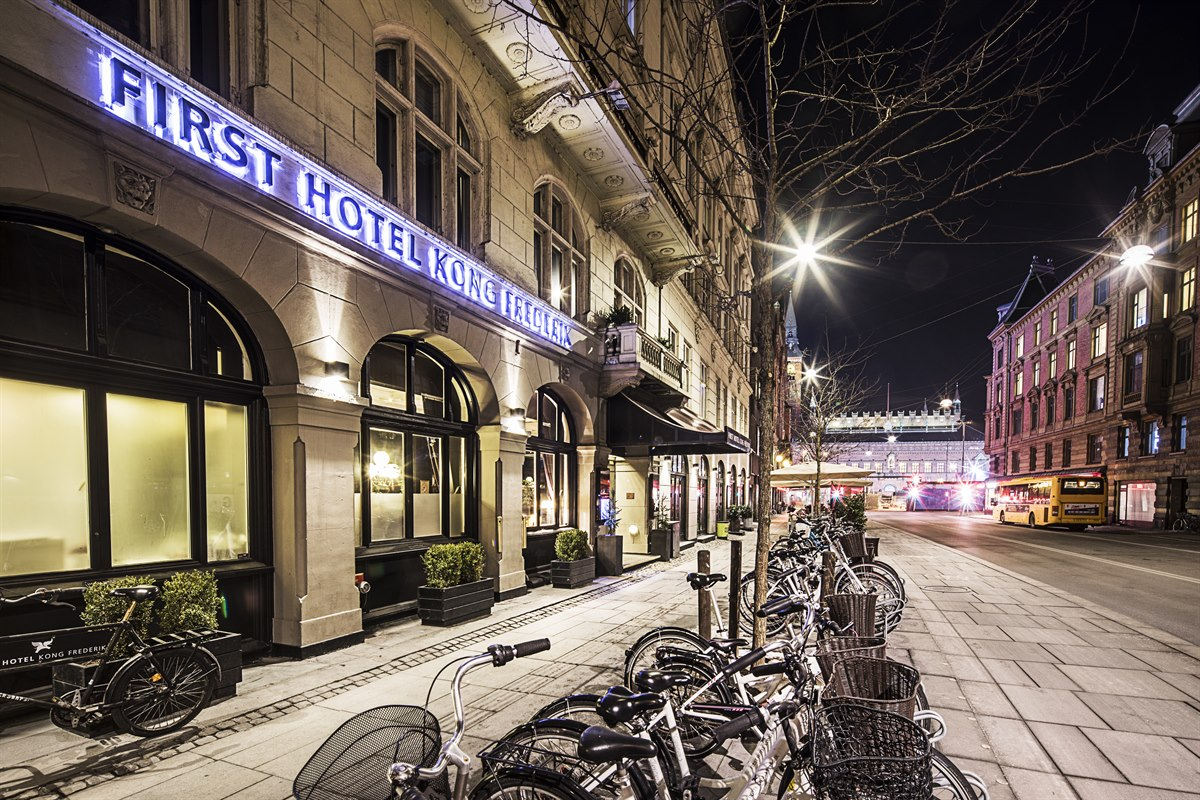 Tivoli Hotel Check Ud Hotel Copenhagen First Hotel Kong Frederik In The City Center