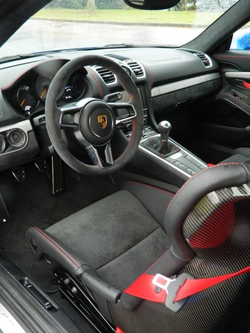 Interior Porsche GT4.