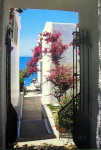 I long to walk these alleys in those towns and cities in the Greek Islands.