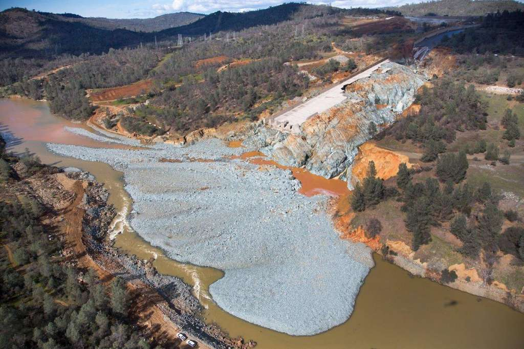 Public access to Oroville Dam records blocked by Jerry Brown administration