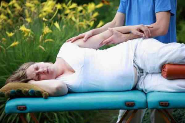 Beneficios-de-los-masajes-prenatales-4