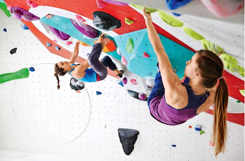 Bunte Kreide Bouldern: Hängepartie Auf Höhe Null - Fit For Fun